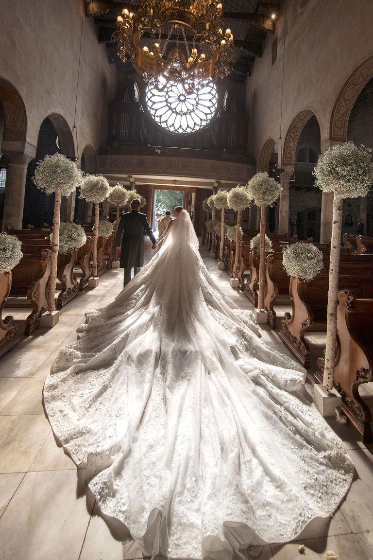 Victoria Swarovski Crystal wedding Dress | WHAT A CABOOSE ON THAT ...