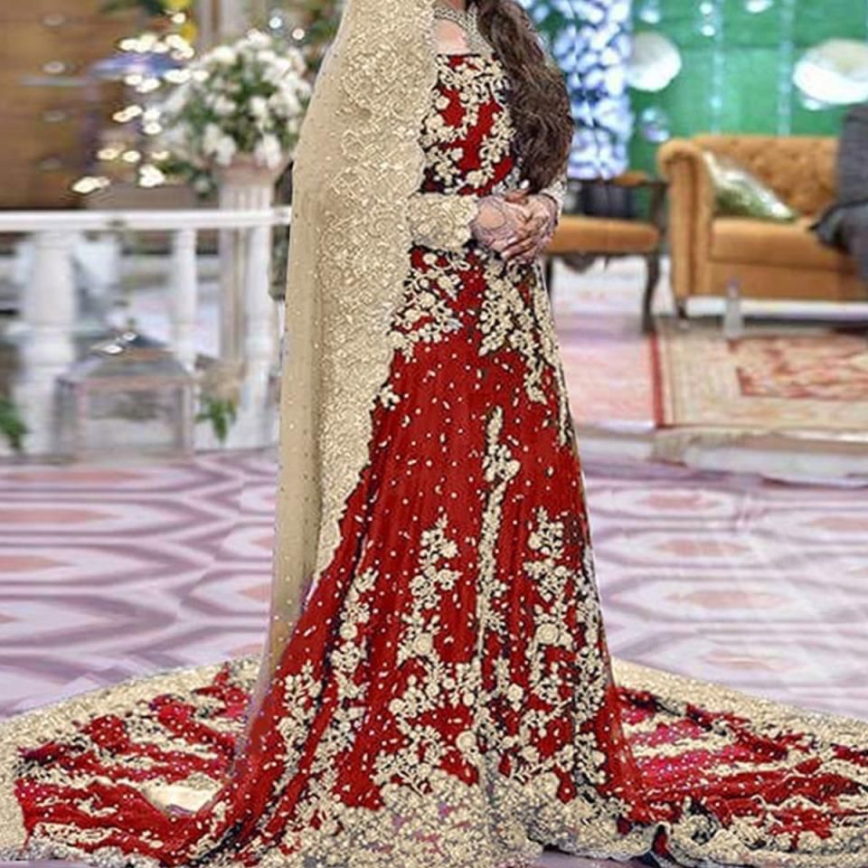 Heavy Embroidered Chiffon Bridal Dress Unstitched Chi 80 Online Shopping Price In Pakistan In 2020 Bridal Maxi Dress Red Bridal Dress Pakistani Bridal Wear