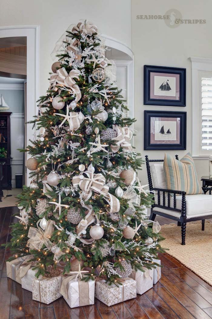 30 Brilliant Coastal Chic Christmas Tree Decorating Ideas Elegant Christmas Trees Coastal Christmas Decor Beautiful Christmas Trees
