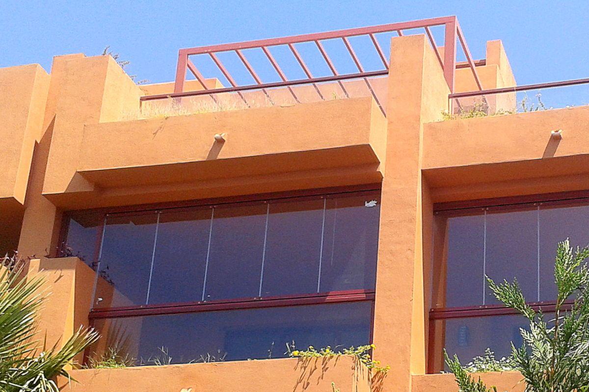 Cortina de cristal para balc n cortinas de cristal de for Cortinas para cristales