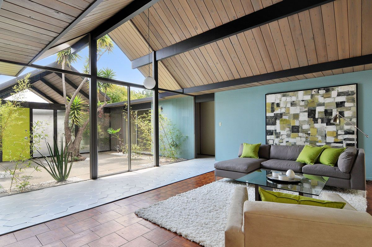 This original character atrium eichler home has 5 bedroom for Atrium homes