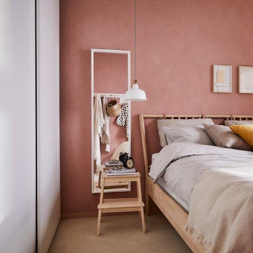 IKEA Deutschland Ein Kleiderschrank mit sanft schließenden