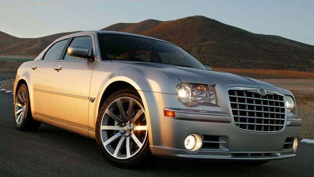 Ten Used Luxury Cars At Economy Car Prices Chrysler 300 Srt8 Chrysler 300 Chrysler 300c