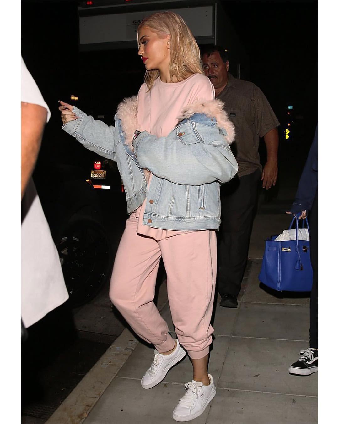 f55d0155d8464 Kylie Kenner wearing Alexander Wang Fall 2016 boyfriend denim jacket ...