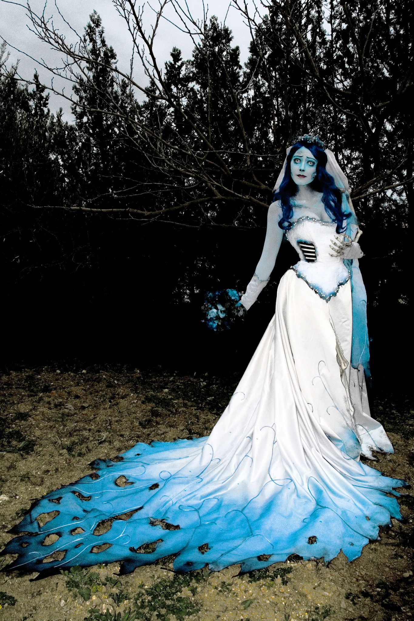 Amazing Corpse Bride Wedding Dress Notice The Ribs And That Beautiful Train