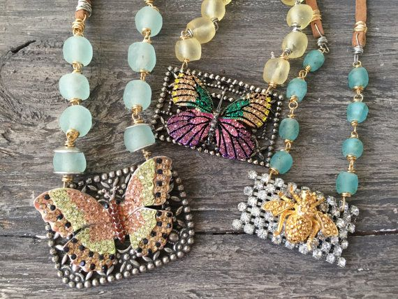 Mariposa colorida venta collar  alboroto  upcycled