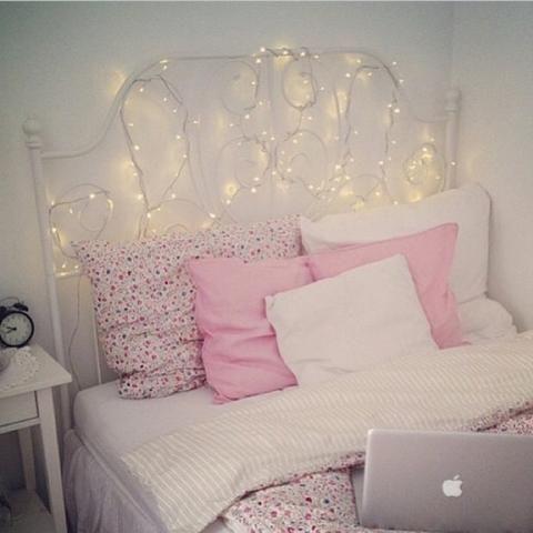 Romantisches bett mit lichterkette  ikea LEIRVIK bed - Google keresés   Homiehome   Pinterest ...