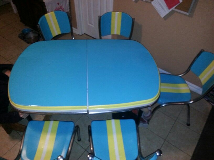 1940's Kitchen table and chairs  I'm still searching for legs!