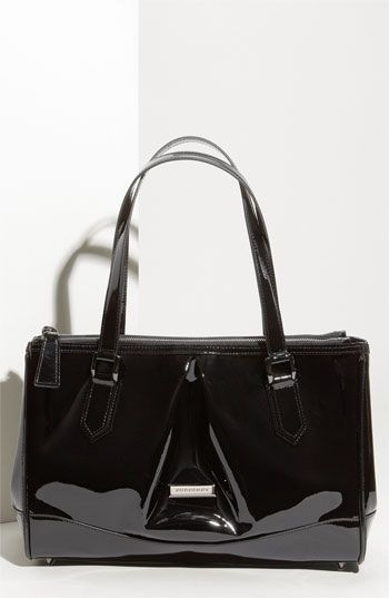 0c6e510ad0e1 Such a cute Burberry bag! cheap vintage chanel bags ...