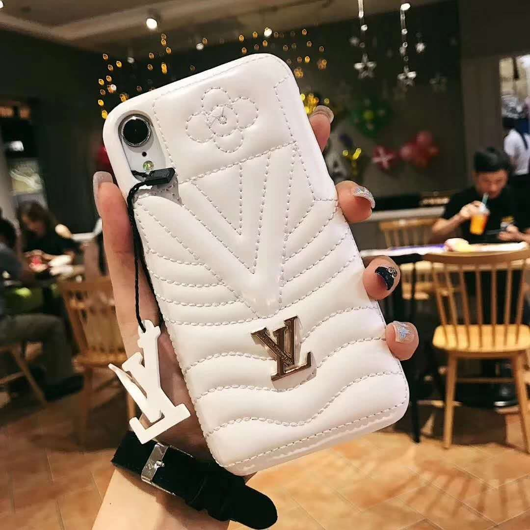 coque iphone xs max sneakers