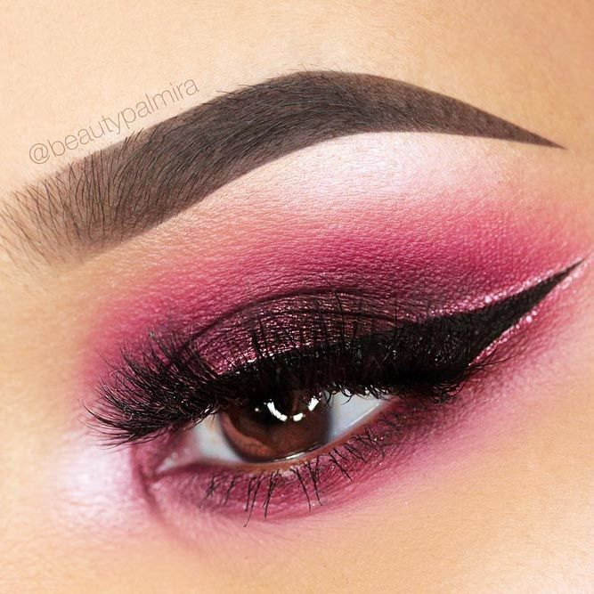 Pink Eyeshadow With Bold Eyeliner Makeup ★ With the right eyeshadow for brown eyes, you can not o
