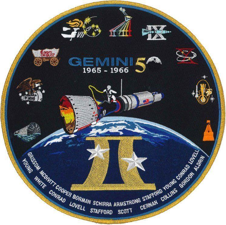 Vintage NASA Gemini 11 Astronauts Conrad Gordon Commemorative Enamel Pin