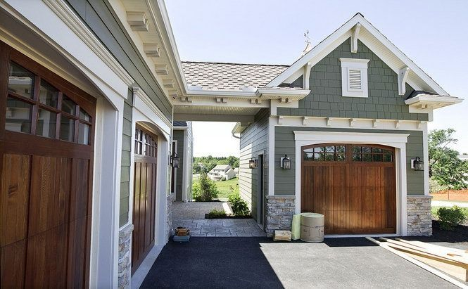Three Car Garage With Breezeway Home Exterior