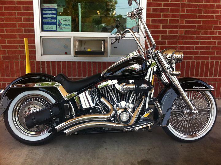 Harley Davidson Heritage Softail Cl 2009 With Dayton Wire Wheel Harley Softail Softail Classic Harley Davidson