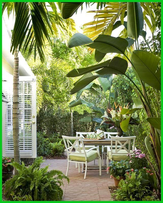 46 Tropisches Gartenparadies im Innenhof silahsilah.com / ... - #Gartenparadies #Innenhof #silahsilahcom #Tropisches #tropischelandschaftsgestaltung