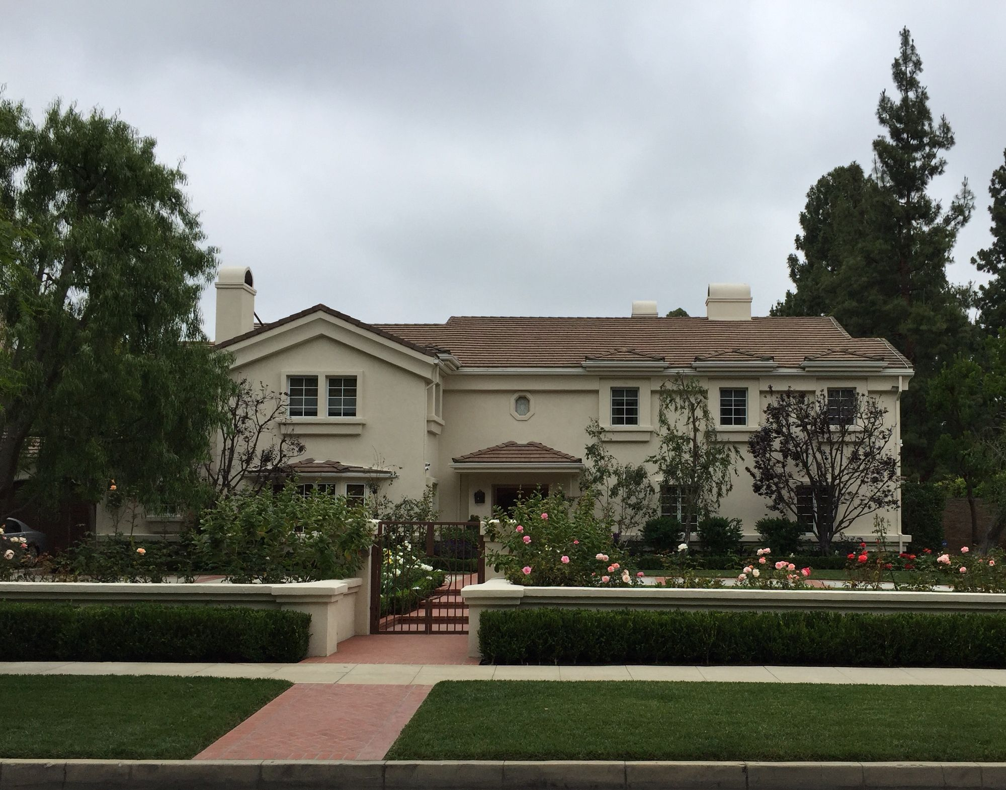 Lucille Balls Former Home Beverly Hills House Styles House Home