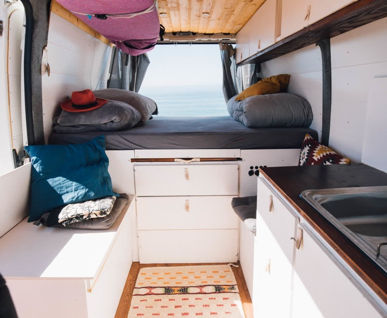 Wohnmobil Sunday The Van In Gilgenberg Am Weilhart Mieten In 2020 Van Living Camper Van Life