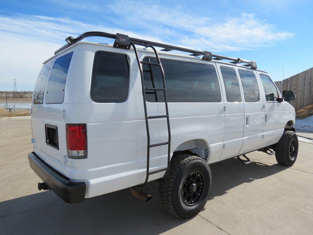 1999 Ford E 350 Extended 15 Passenger 4x4 Van 12552