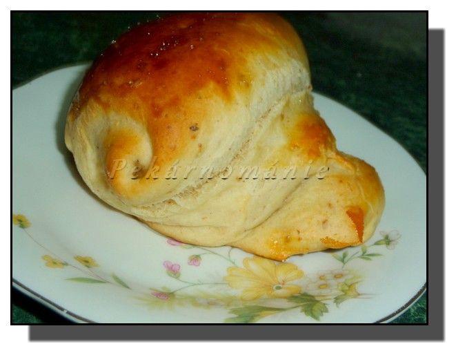 Mandlové kynuté pečivo