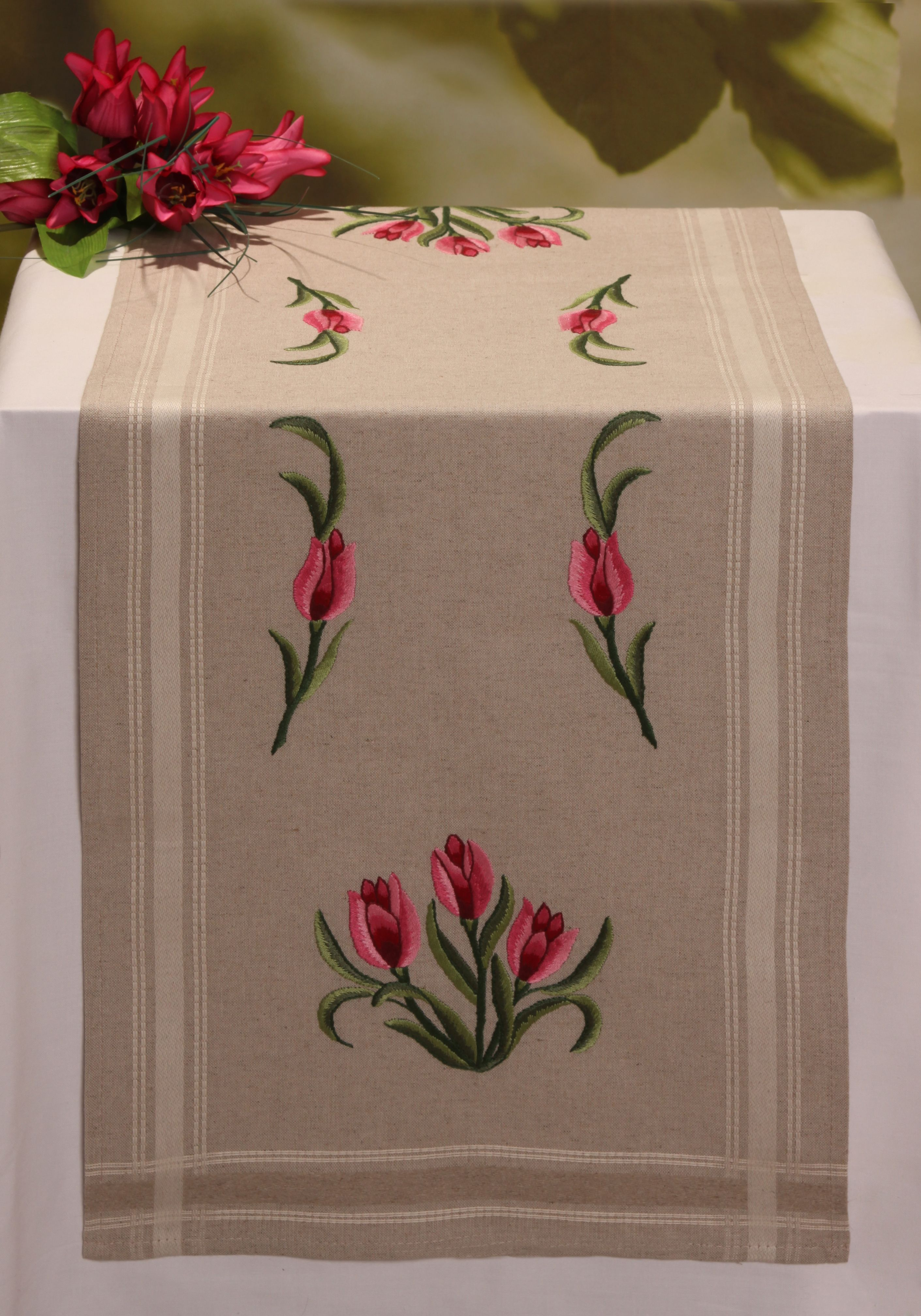 Applique designs for tablecloth - Find This Pin And More On Machine Stitch Embroidery Appliqu Borders