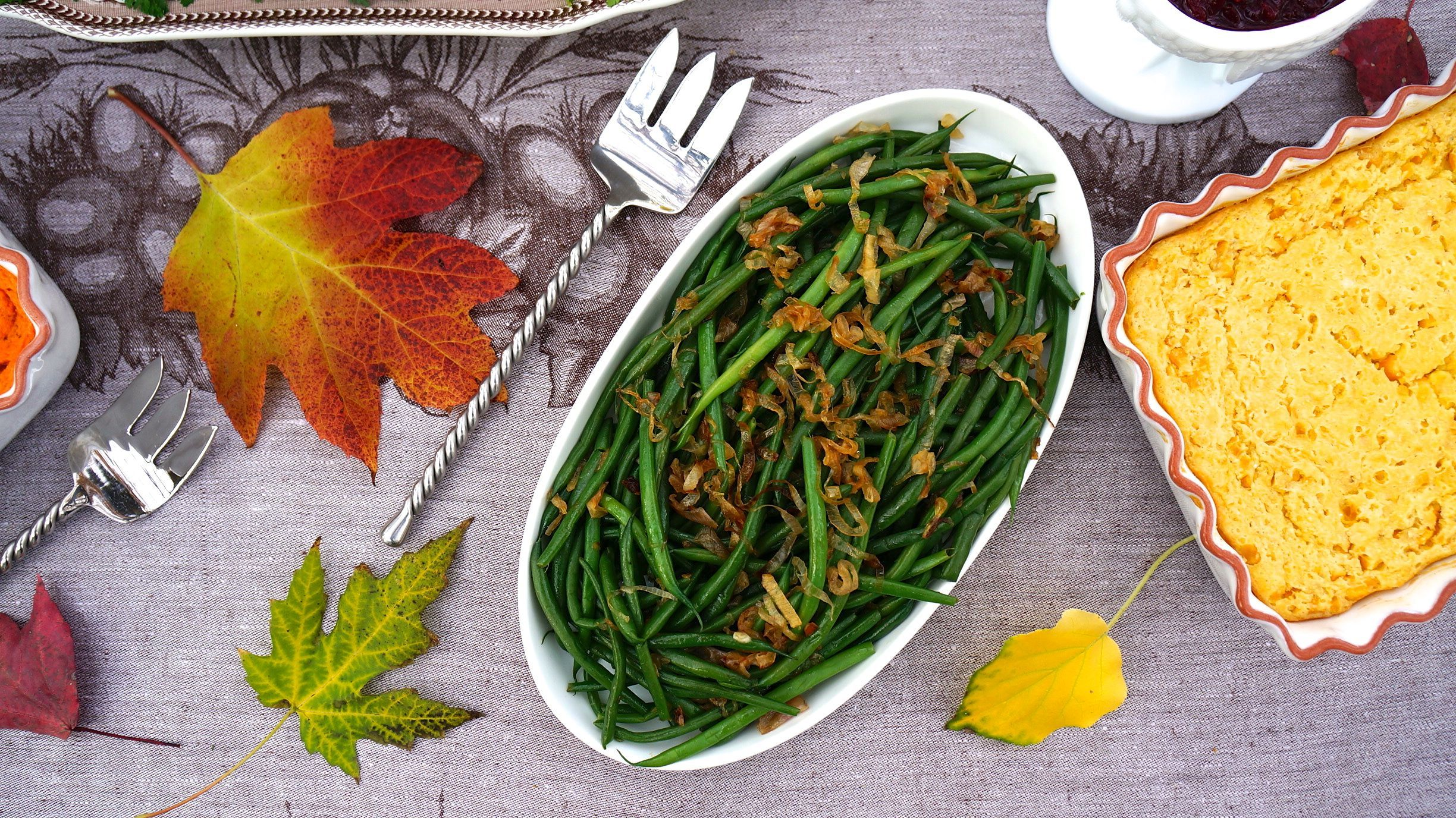 "French Green Beans with Caramelized Shallots makes a great vegetable side dish anytime of the year, especially at Thanksgiving. For more great food and decorating ideas see our ""Healthier Thanksgiving"" video  http://www.youtube.com/watch?v=r_BXdggdgSI"