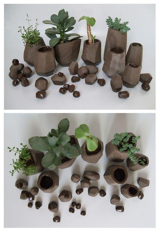 Ensemble jardins de cailloux pot pour plantes grasses cailloux fa ence chamott e noire model e - Plantes grasses en pot ...