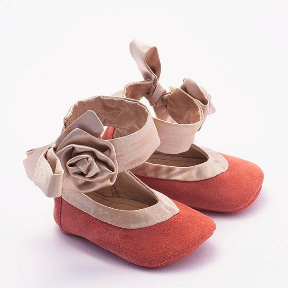 f95e0a00091f8 Baby shoes in coral pink suede and silk trim by Vibys on Etsy