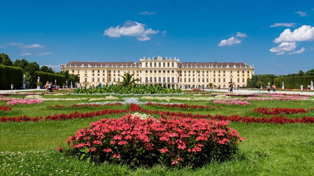 Schloß Schönbrunn (Wien Österreich) - Schönbrunn Castle (Vienna Austria)