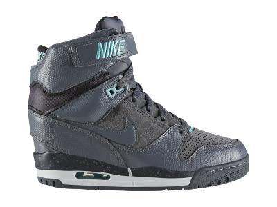 timeless design 07479 1a6bf Nike Air Revolution Sky Hi Women s Shoe