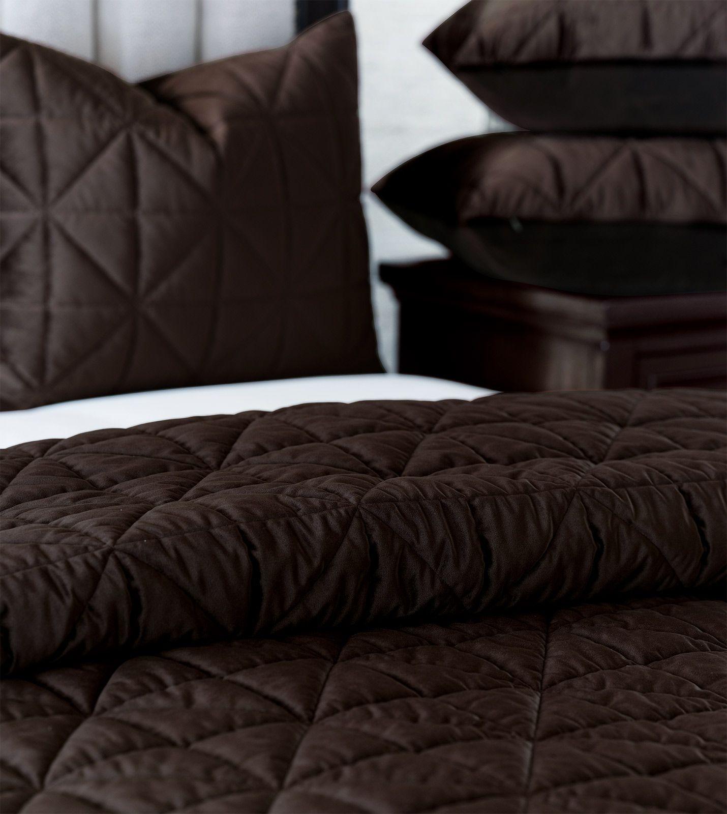 Cocoa Brown Quilted Velvet Coverlets Shams De Medici Nova Beige Bed Linen Bed Linens Luxury White Linen Bedding