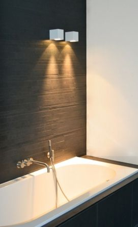 mooie wandverlichting aan het bad bekleding bad idem als muur Heremans Manshoven Architecten - Mijn Huis Mijn Architect 2014