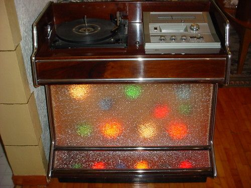 8 Track Console Stereo Hi Fi With Lighted Cabinet