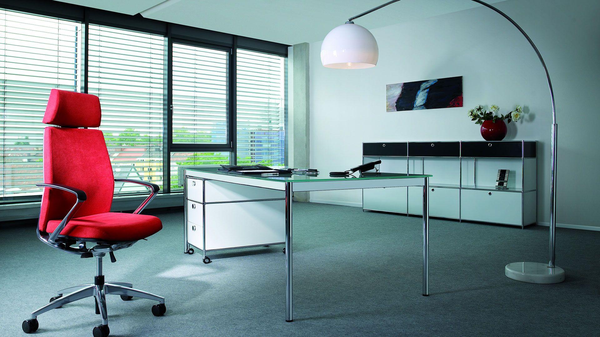 Chefarbeitsplatz Schreibtisch 200 X 100 Cm Mit Glasplatte Und Metall