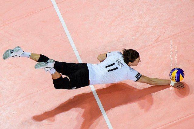 Pin De Augusto Draw En Poses Hombres Voleyball Voleibol Deportes