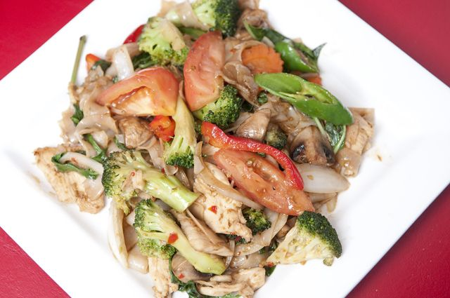 Drunken Noodles At Little Bangkok Best Thai Restaurant Restaurant Dishes