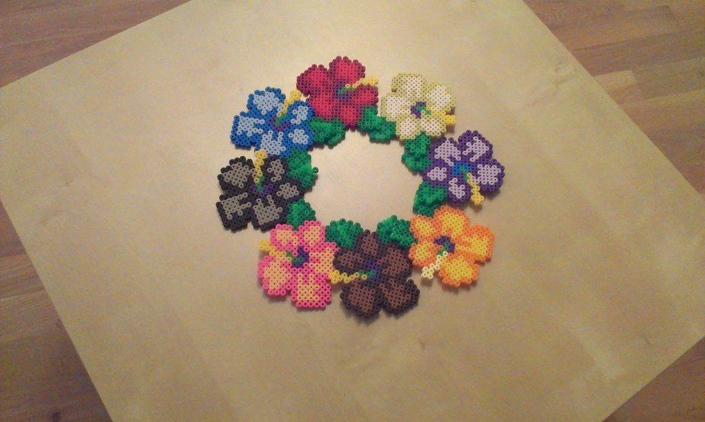 circle of flowers perler beads by raventezea on deviantart b gelperlen b gelperlen hama. Black Bedroom Furniture Sets. Home Design Ideas