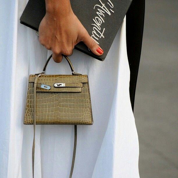 6d39e7b29720 Hermès Mini Kelly bag 15 cm