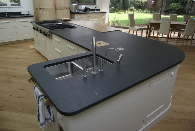arbeitsplatte küche schiefer kochinsel inspiration spüle metall