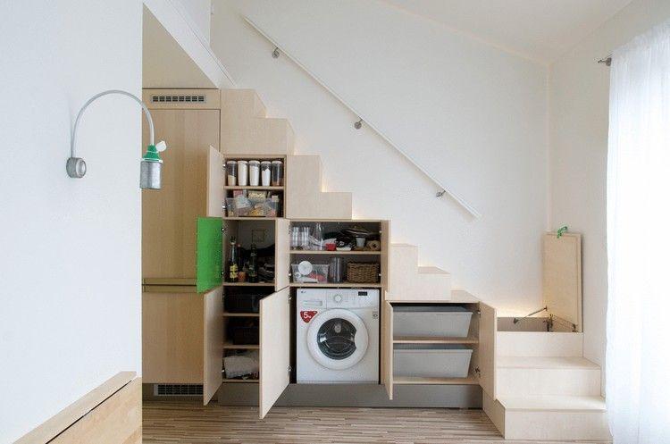 idée aménagement studio, escalier avec rangements intégrés et ...