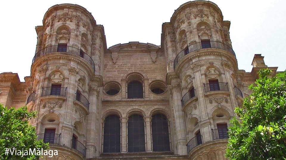 Vistas de la Catedral desde el Patio de los Naranjos.