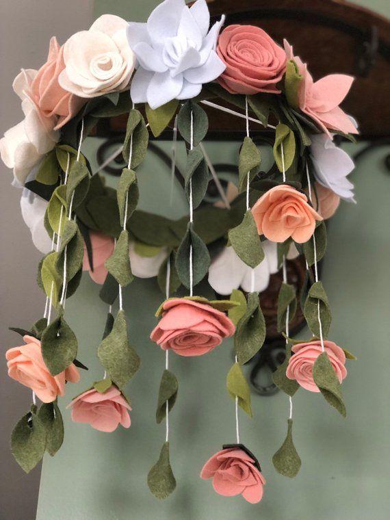 Photo of Scegli taglia / colori rosa cipria / crema / bianco Fiore di feltro mobile | rose mobile | arredamento per ragazze in camera bambina mobile |