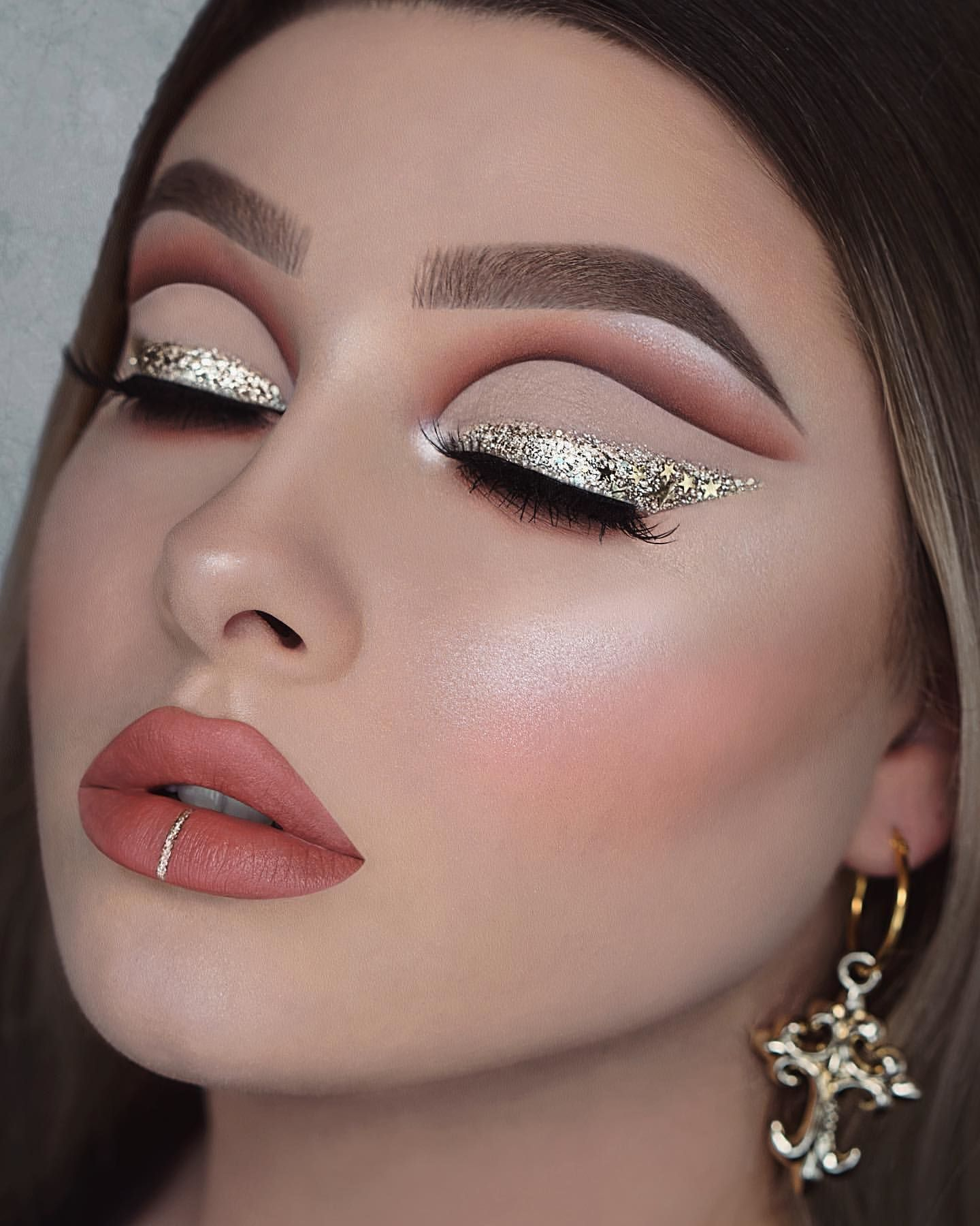 60 Dramatic Makeup Looks Make You Glow In 2020 Page 2 Of 9 In