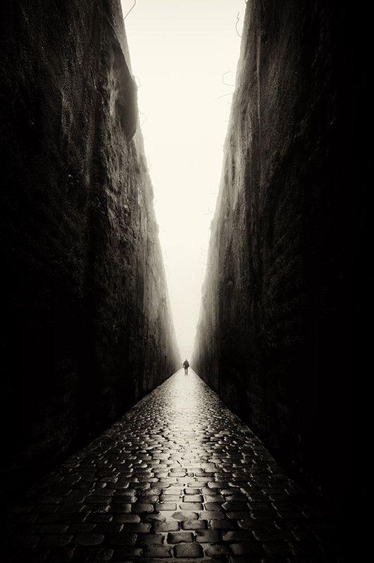 A veces nos encerramos nosotros mismo sobre dos paredes.....