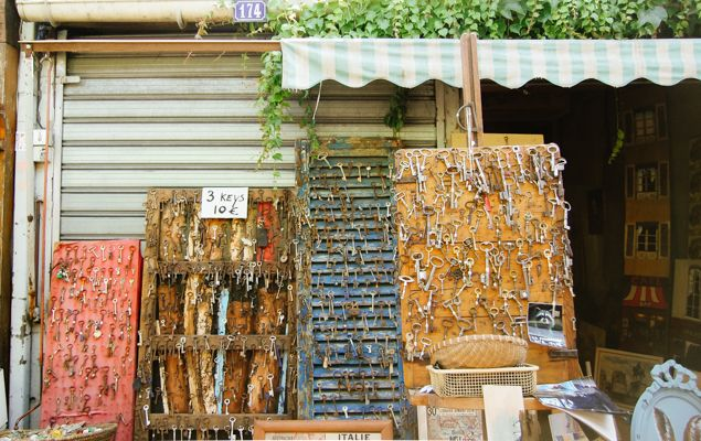If you love digging for secondhand trinkets or shopping for gorgeous French antiques from bygone eras, then you must visit the Marché aux Puces de Saint-Ouen, or Les Puces, for short. Since it's the largest flea market in the world, it can be a bit tricky to navigate, so be sure to bookmark these expert tips!