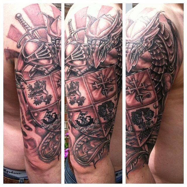 Les 25 meilleures id es de la cat gorie tatouage de cr te sur pinterest tatouage armoirie - Tatouage derriere oreille douleur ...
