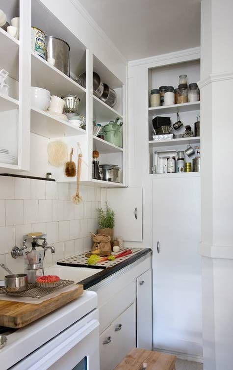 Trucos de Decoración de Cocinas Pequeñas | Kitchens, Open shelves ...