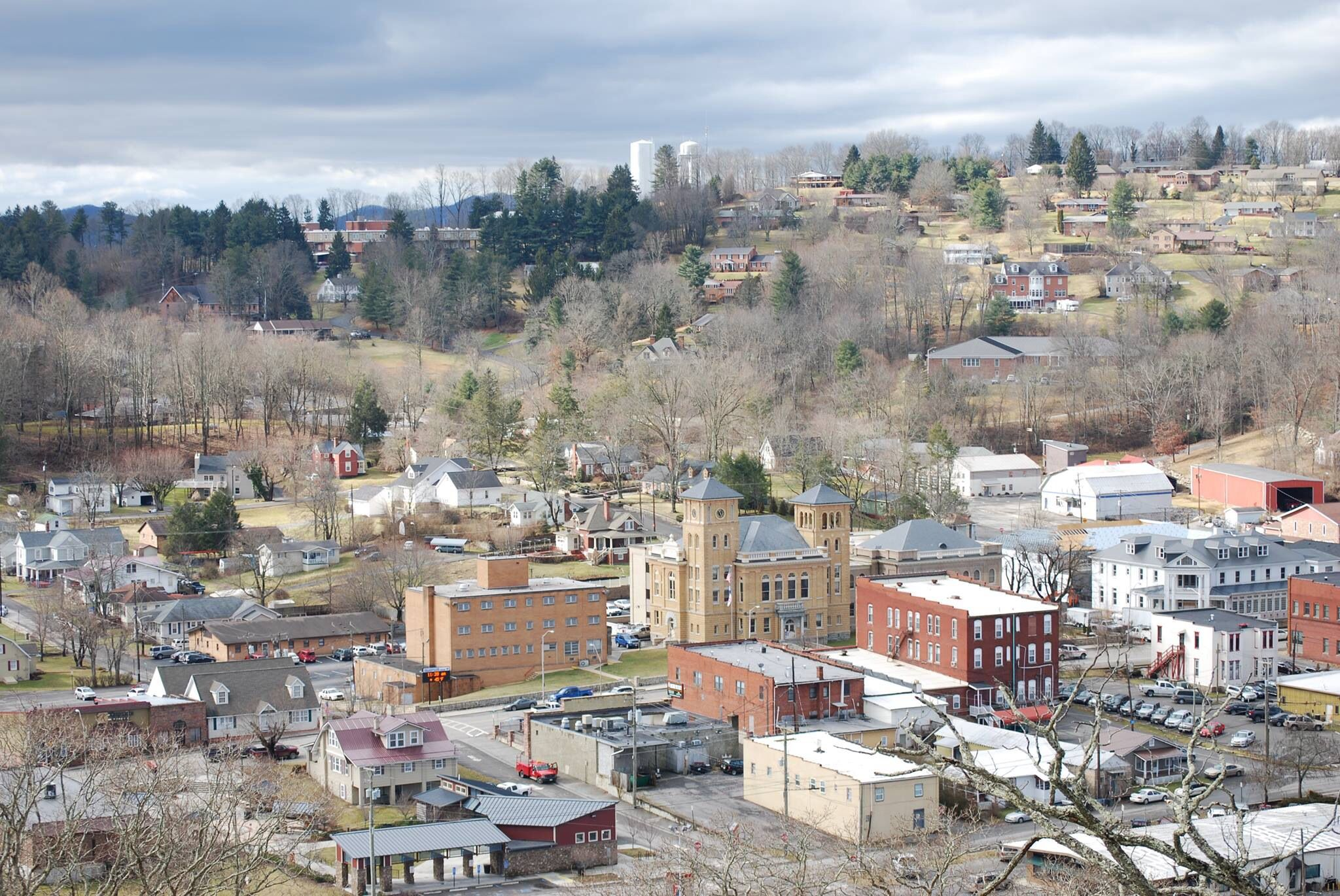 The Small Town Of Wise Virginia Home Of The University Of Virginia At Wise Virginia Is For Lovers Appalachia Local Travel