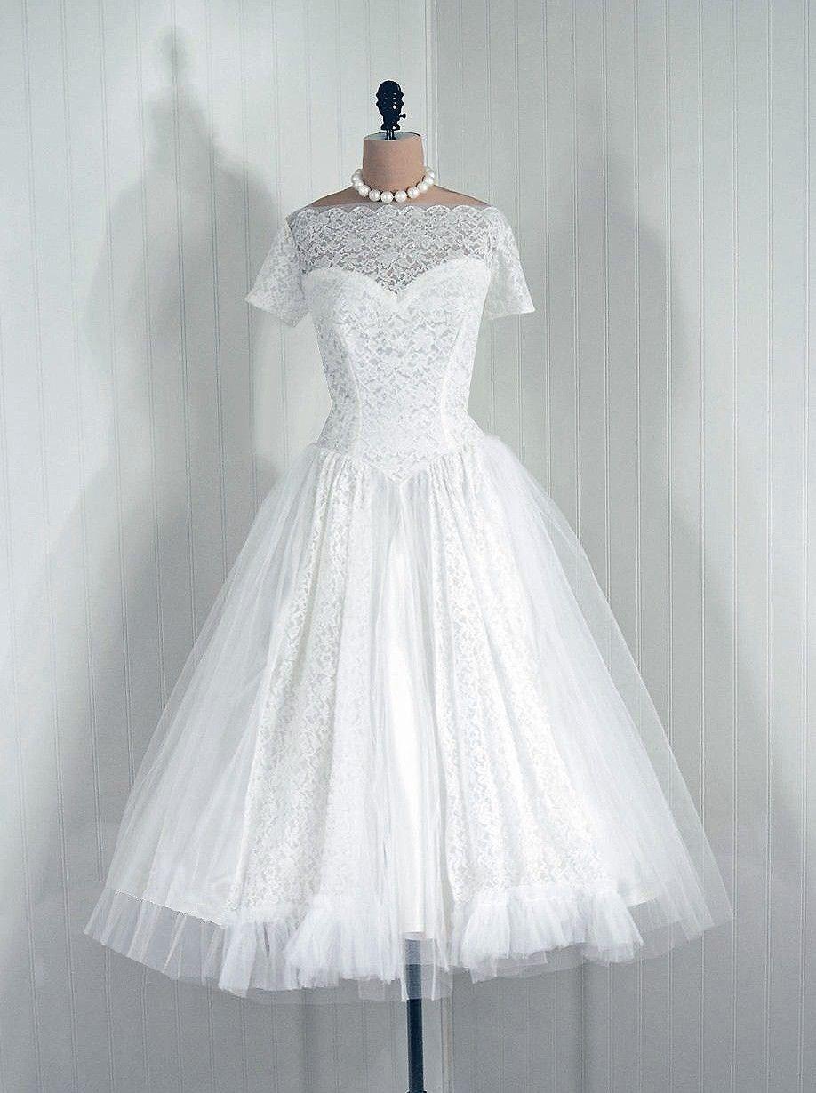 Us vintage chantillylace wedding dress uc wedded bliss
