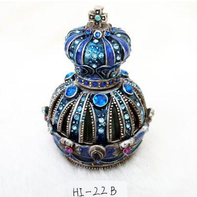 shutterstock_perfume perfumes_1 o-PERFUME-facebook be0f9f6724ac93acd5868ae38795c7f7 ...