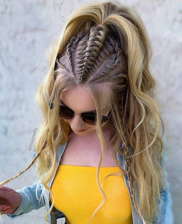 Trenzas con cabello suelto de moda